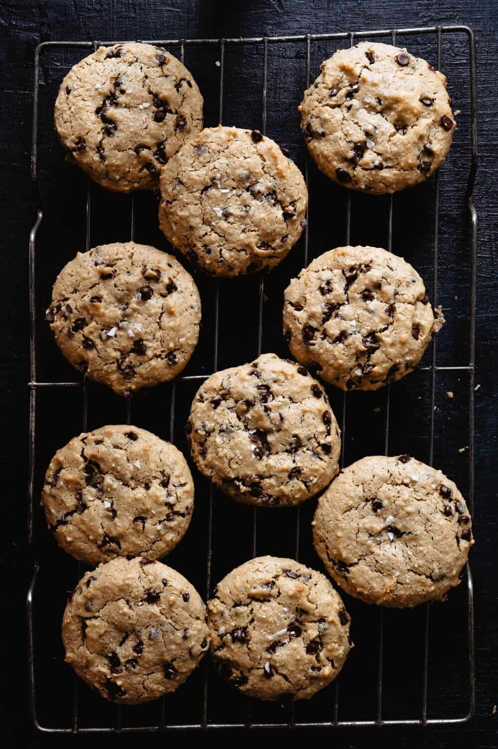 LIFE CHANGING CHOCOLATE CHIP TAHINI COOKIES - INGREDIENTS1 cup almond flour1 cup Soom Foods tahini1/2 cup maple syrup1 egg1 tsp baking soda1 heaping cup of Enjoy Life Foods dairy free mini chocolate chips1 scoop collagen peptides (optional, but great source of protein)sea salt flakes for topping