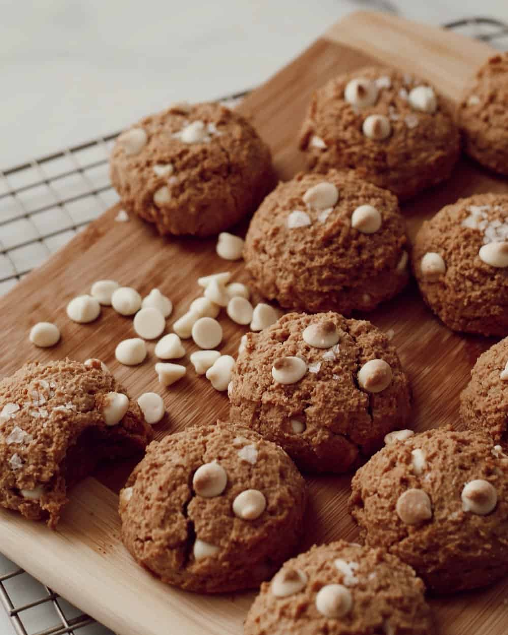 PEANUT BUTTER WHITE CHOCOLATE CHIP COOKIES - INGREDIENTS1 cup almond flour 3/4 cup creamy peanut butter 1/3 cup maple syrup1 tsp vanilla extract 1/2 tsp sea salt3/4 cup white chocolate chips1 egg or flax egg (1 tb ground flax meal + 3 tb water)