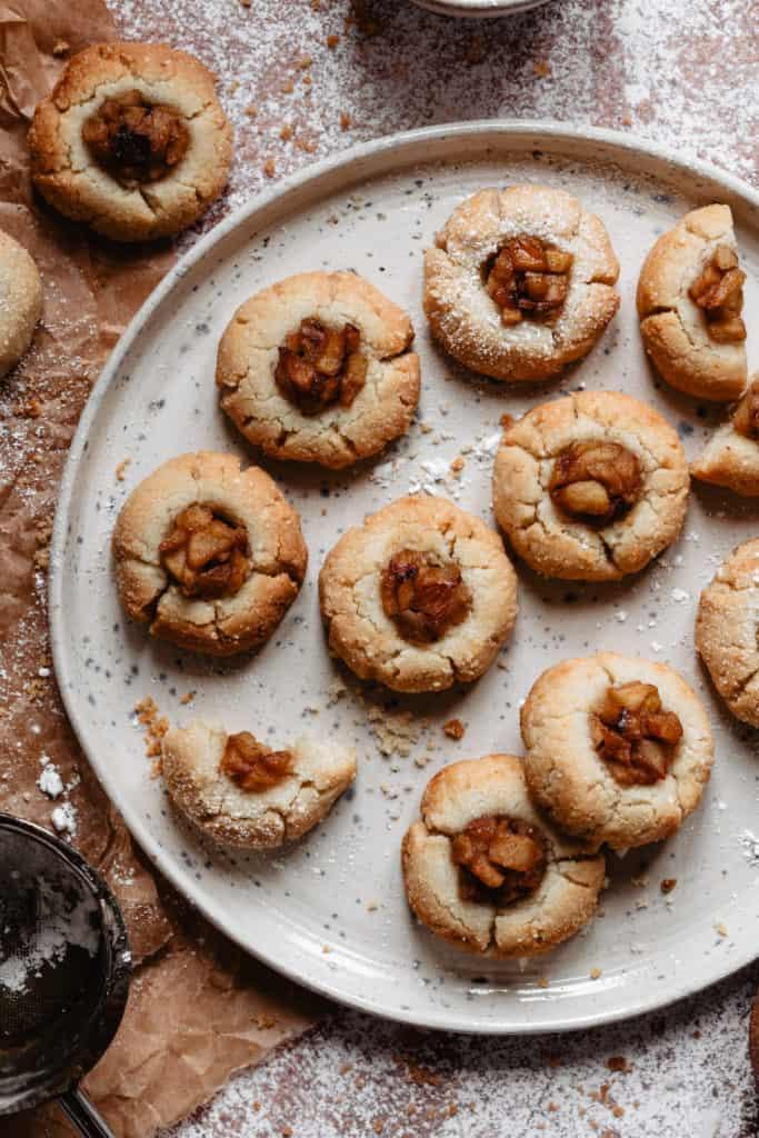Apple Pie Thumbprint Cookies by KALEJUNKIE